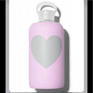 Bkr 1L Bottle in Juliet Heart Print Reusable Glass